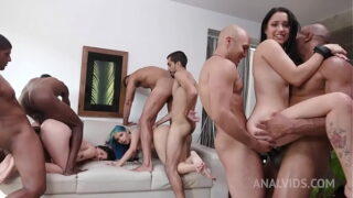chicas venezolanas desnudas en orgía intensa